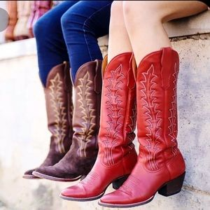 Red Durango boots size 8.5